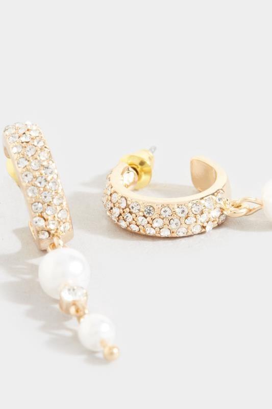 Strass-Ohrringe mit Perlen-Anhängern - Goldfarben