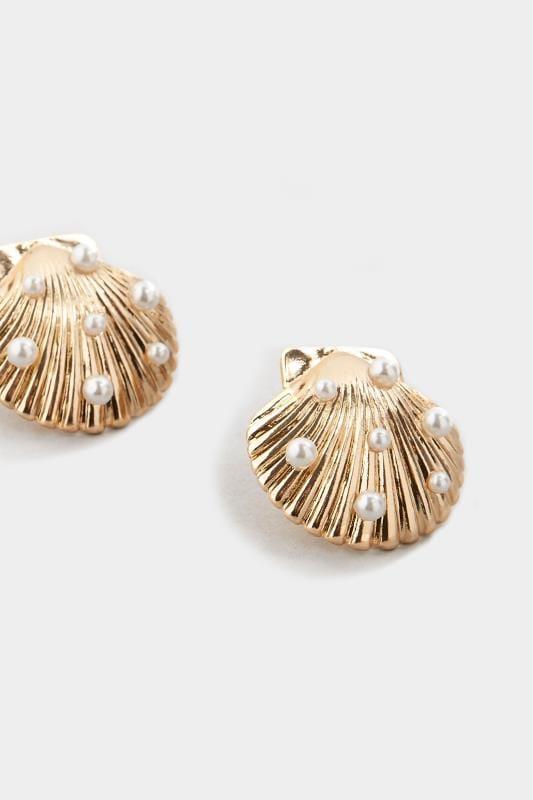 Gold Shell Stud Earrings_5c0a.jpg