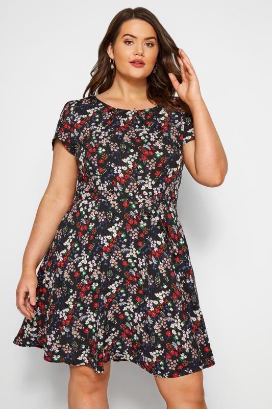 Große Größen Blumenkleider IZABEL CURVE Kleid mit Bindegürtel - Schwarz