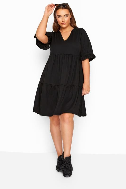 Plus-Größen Black Dresses LIMITED COLLECTION Black Tiered Smock Dress
