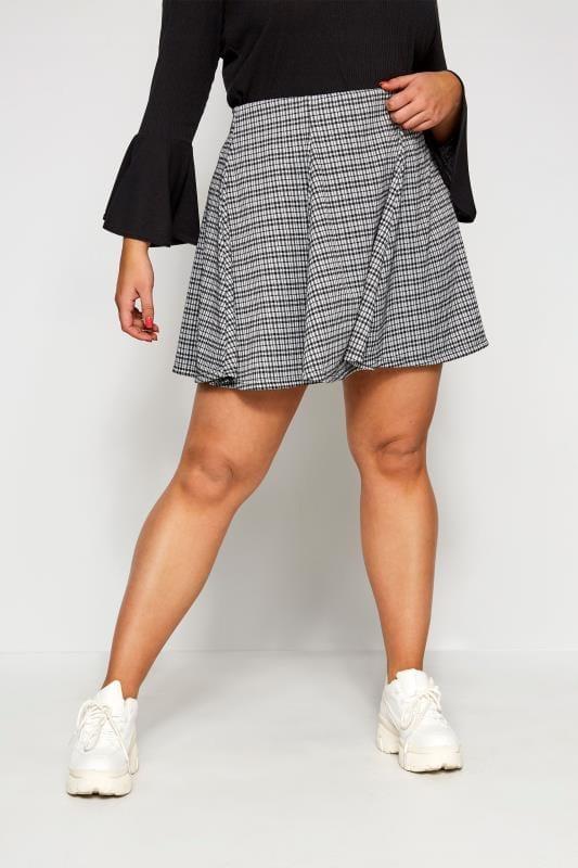 Spódnice rozkloszowane dla puszystych LIMITED COLLECTION Spódnica rozszerzana w czarną kratkę
