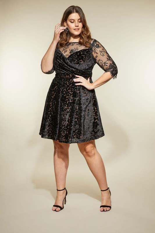 exquisiter Stil exzellente Qualität langlebig im einsatz LOVEDROBE Schwarzes Ballkleid aus Samt, Große Größen 44-60