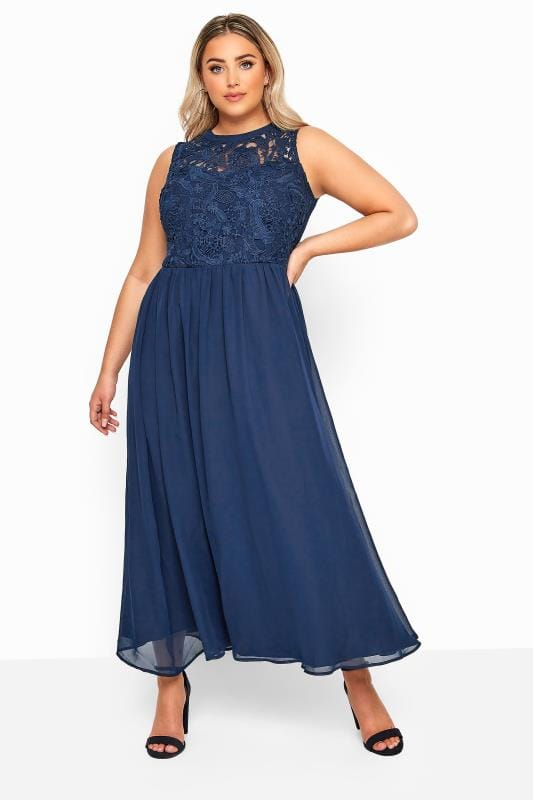 Plus-Größen Evening Dresses YOURS LONDON Navy Lace Maxi Dress