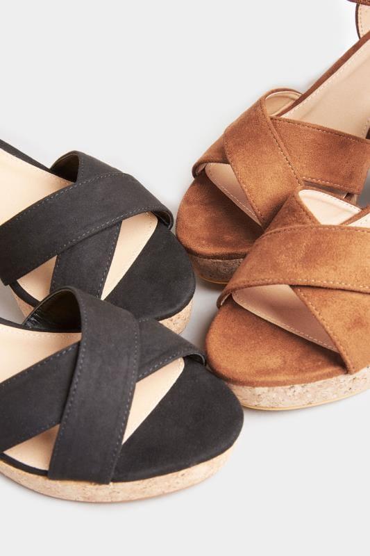 LIMITED COLLECTION - Suède sandalen met blokhak in bruin