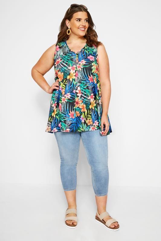 Zwarte top met bloemenkant, grote maten 44-64 | Yours Clothing