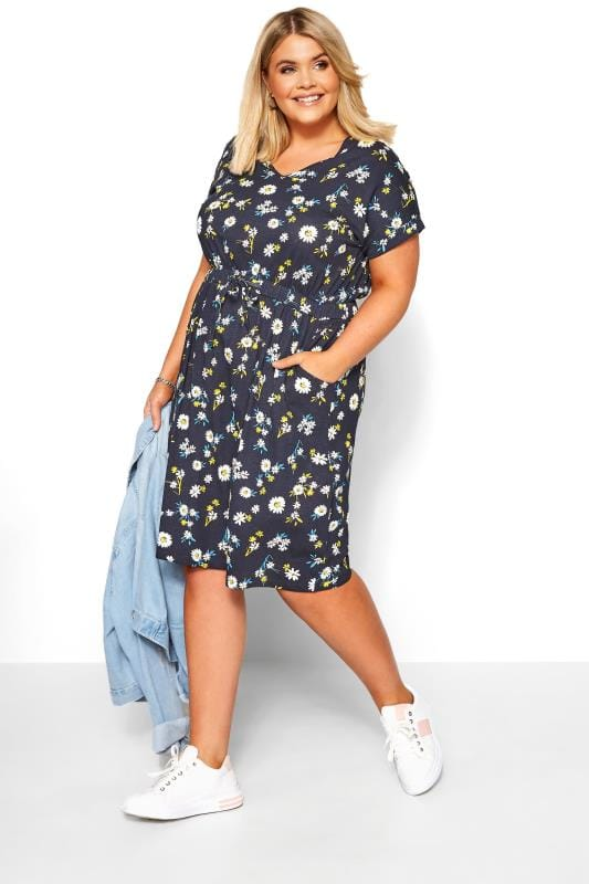 Plus Size Beauty Navy Daisy Print T-Shirt Dress