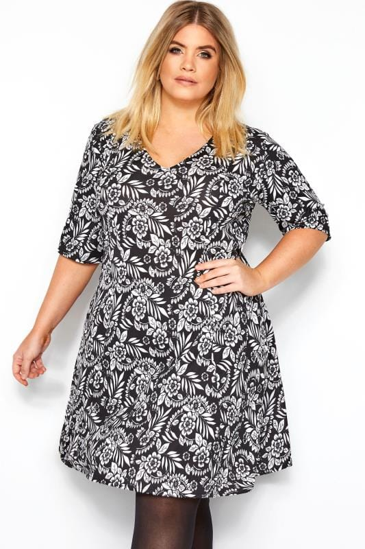 Большие размеры | Floral Dresses PRASLIN Black & White Floral Swing Dress