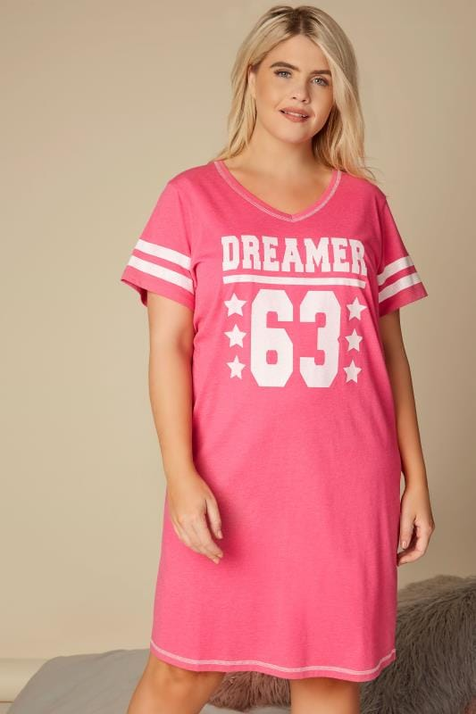 Nightdresses & Chemises  dla puszystych Pink 'Dreamer' Slogan Print Nightdress