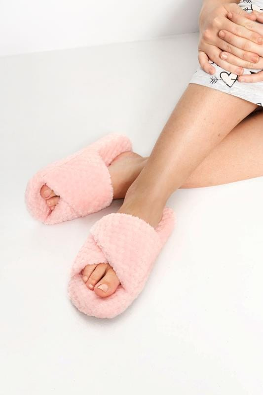 Plus Size Slippers Pink Waffle Cross Over Slippers In Wide Fit