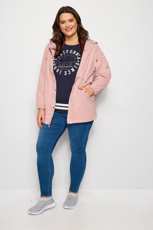 Roze tussenjas