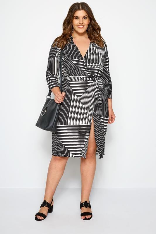 SIZE UP Wickelkleid mit asymmetrischen Streifen - Schwarz/Weiß