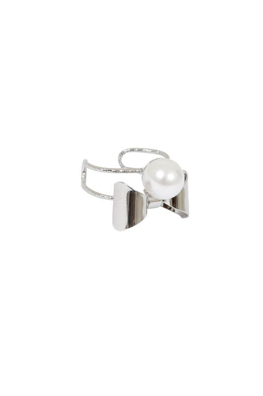 Silver Bow & Pearl Ring