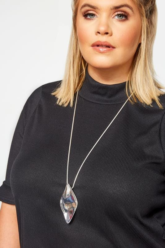 Silver Diamond Shape Pedant Long Necklace