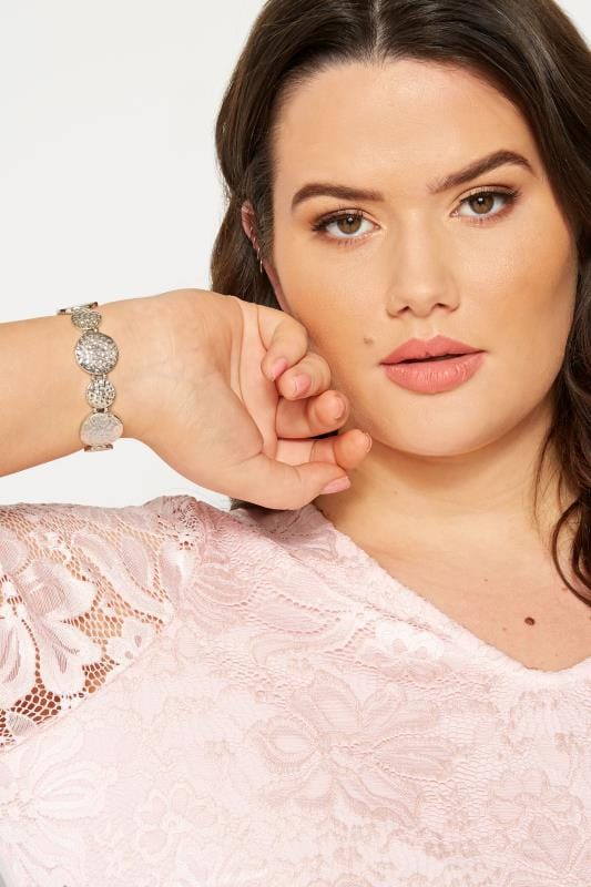 Große Größen Schmuck Armband mit gehämmerten Scheiben - Silberfarben
