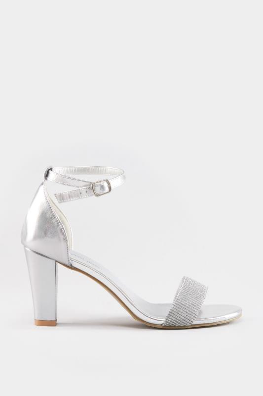Silberne Metallic Sandalen mit Absatz & weiter Passform EEE Fit