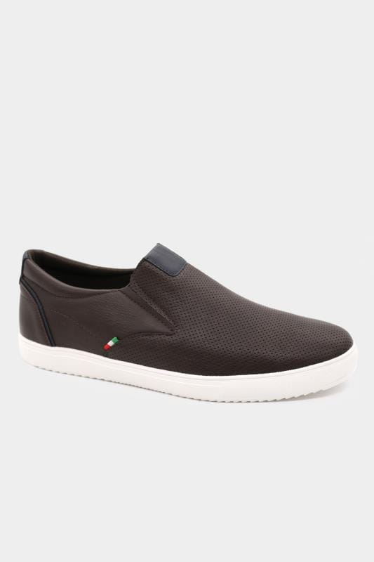 D555 Brown Slip On Trainers