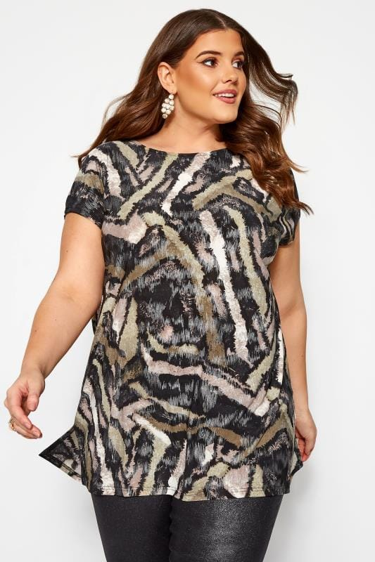 Plus Size Jersey Tops Sand Metallic Tiger Print Top