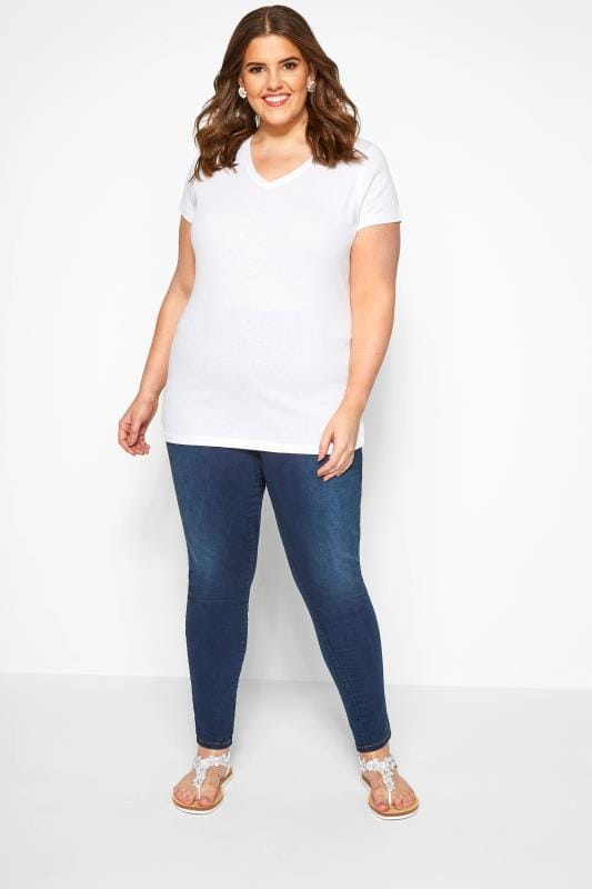 Weißes Basic T-Shirt mit V-Ausschnitt