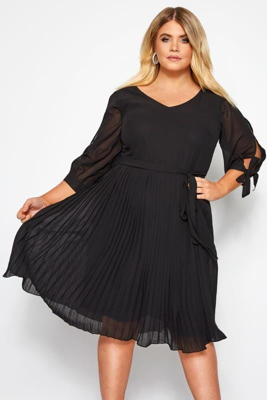 Evening Dresses dla puszystych YOURS LONDON Black Pleated Dress