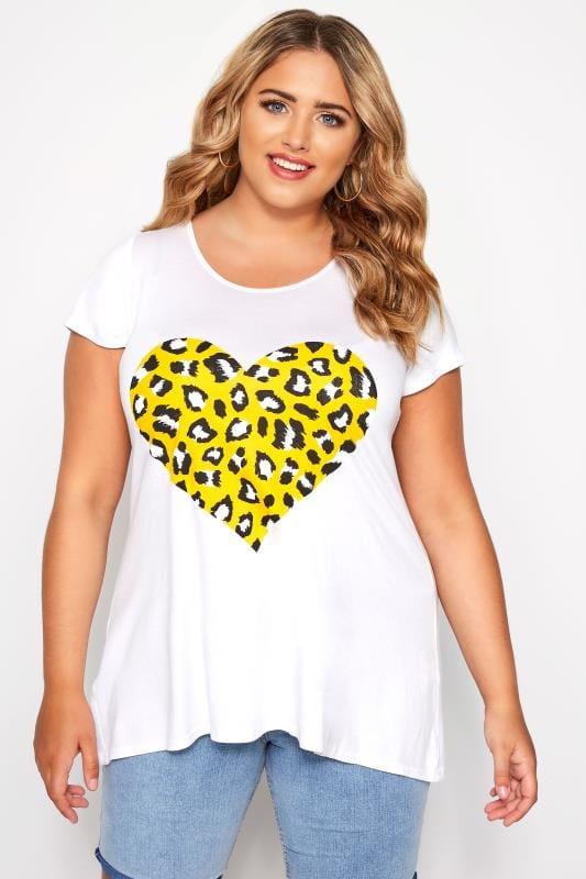 Plus Size T-Shirts SIZE UP White Animal Heart Print T-Shirt