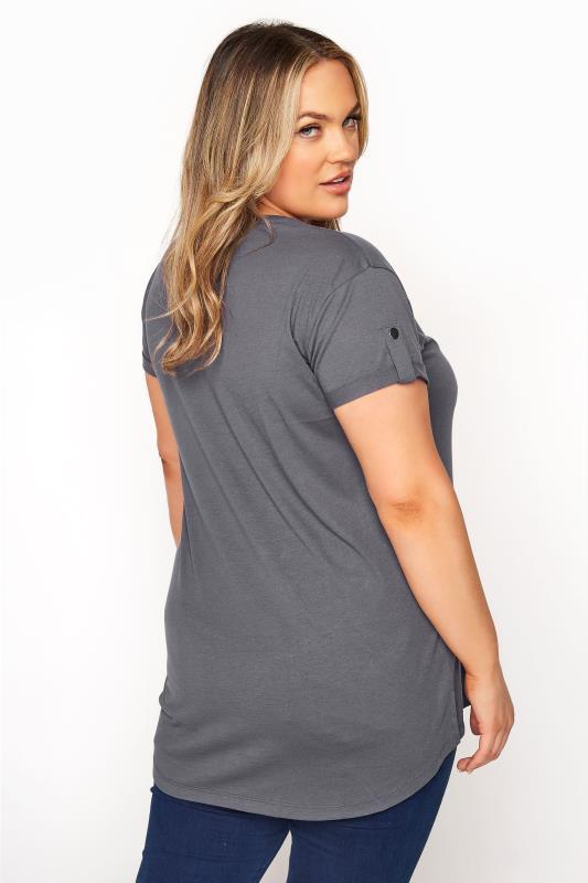 Grey Pocket Dipped Hem T-Shirt_C.jpg