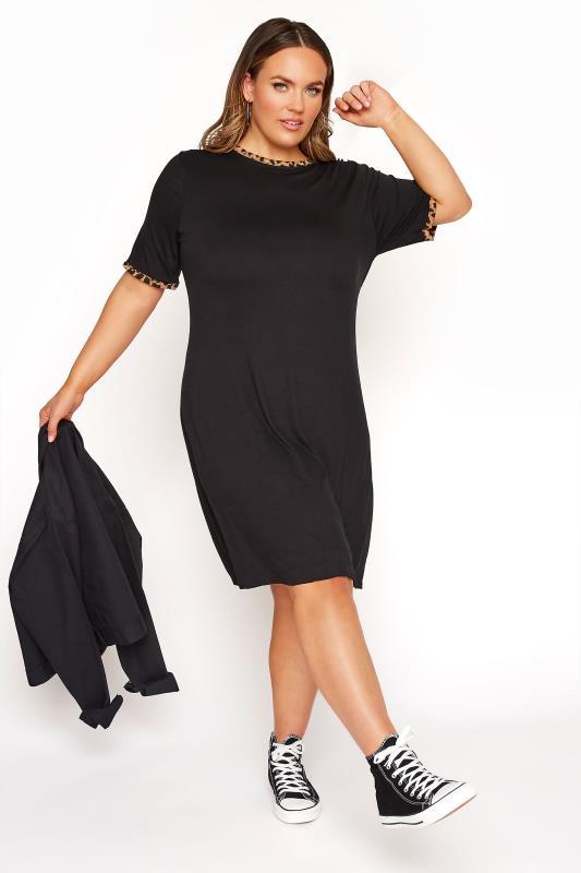 LIMITED COLLECTION - Midi-jurk met randen met luipaardprint in zwart