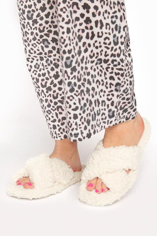 Plus Size  Cream Borg Cross Over Slippers In Regular Fit