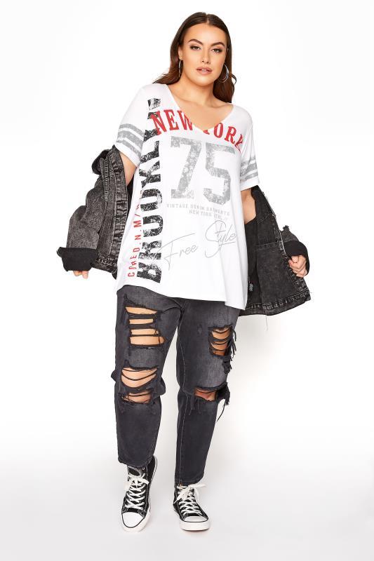 White Printed V-Neck T-Shirt_B.jpg