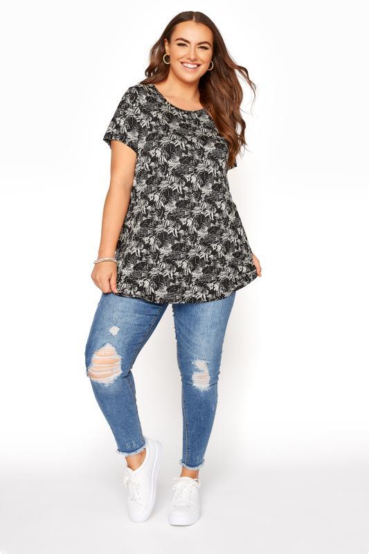 Black Leaf Print T-Shirt_B.jpg