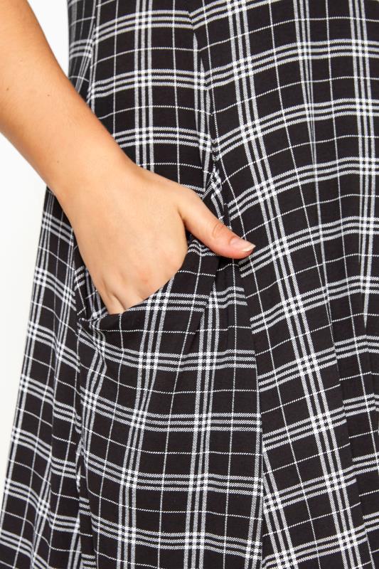 Kleid mit Taschen - Schwarz kariert