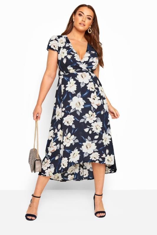 YOURS LONDON Wickelkleid mit asymmetrischem Saum - Blau/Weiß