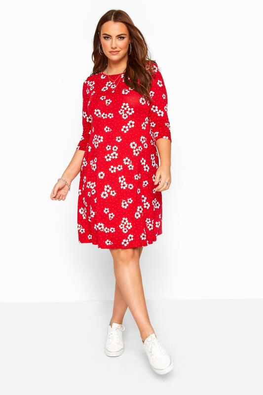 Rode swing jurk met 3/4-mouwen en bloemenprint