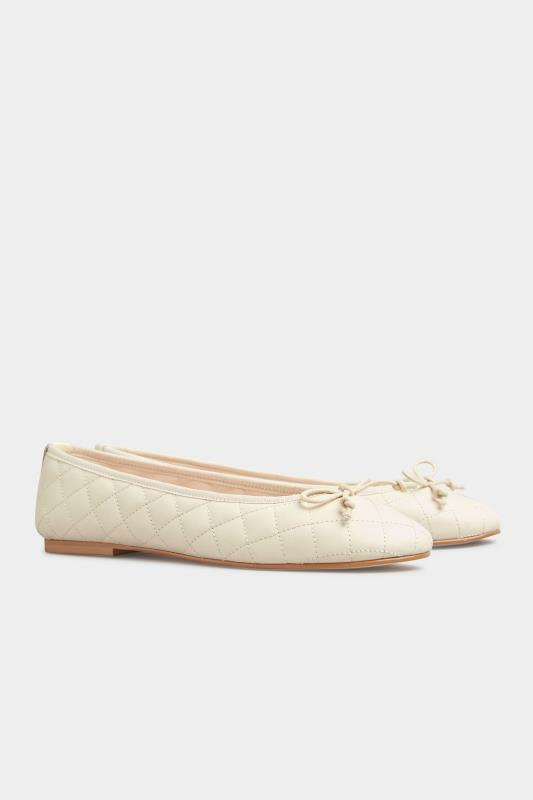 LTS White Leather Quilted Ballet Pumps_C.jpg