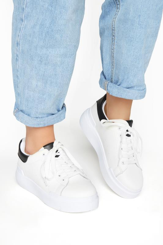 Grande Taille LIMITED COLLECTION White and Black Flatform Trainer In Wide Fit