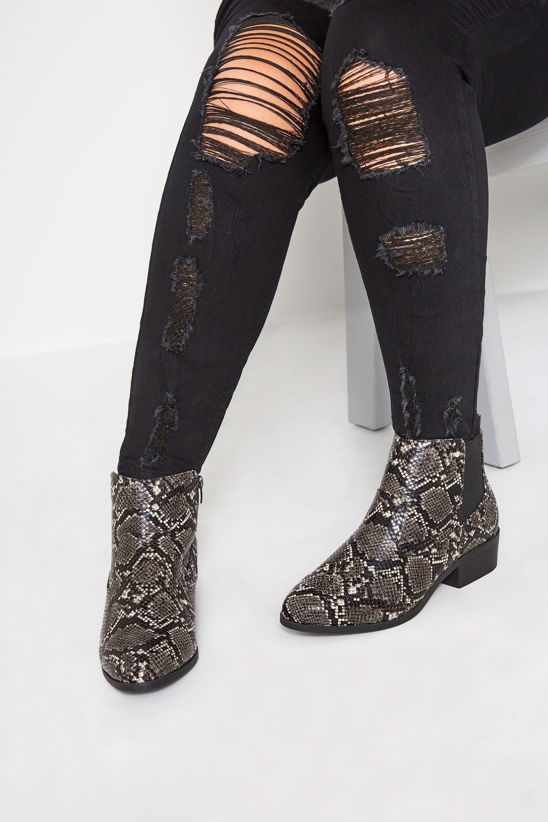 Yours Grey Snakeskin Effect Chelsea Boots In Extra Wide Fit