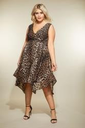 Bruine jurk in wikkellook met luipaard print