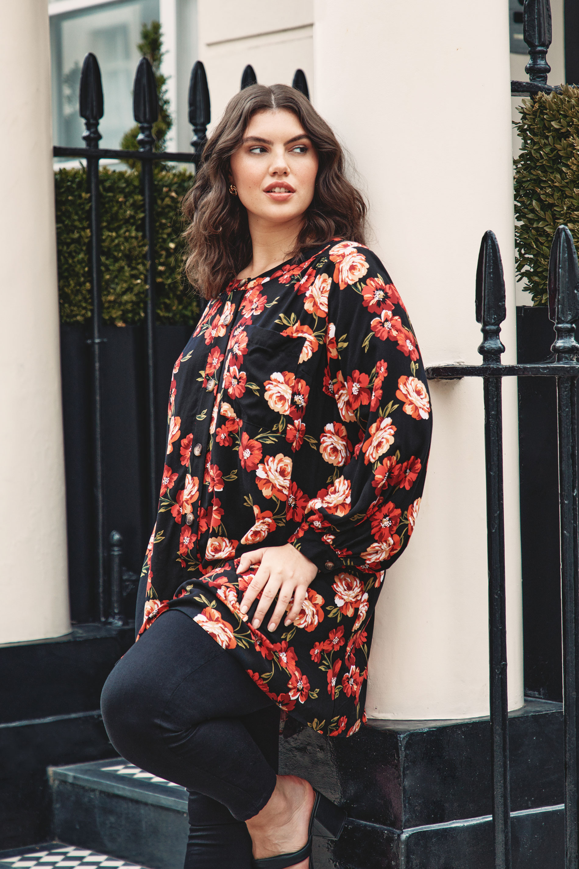 THE LIMITED EDIT Black Floral Smock Tiered Shirt_L.jpg