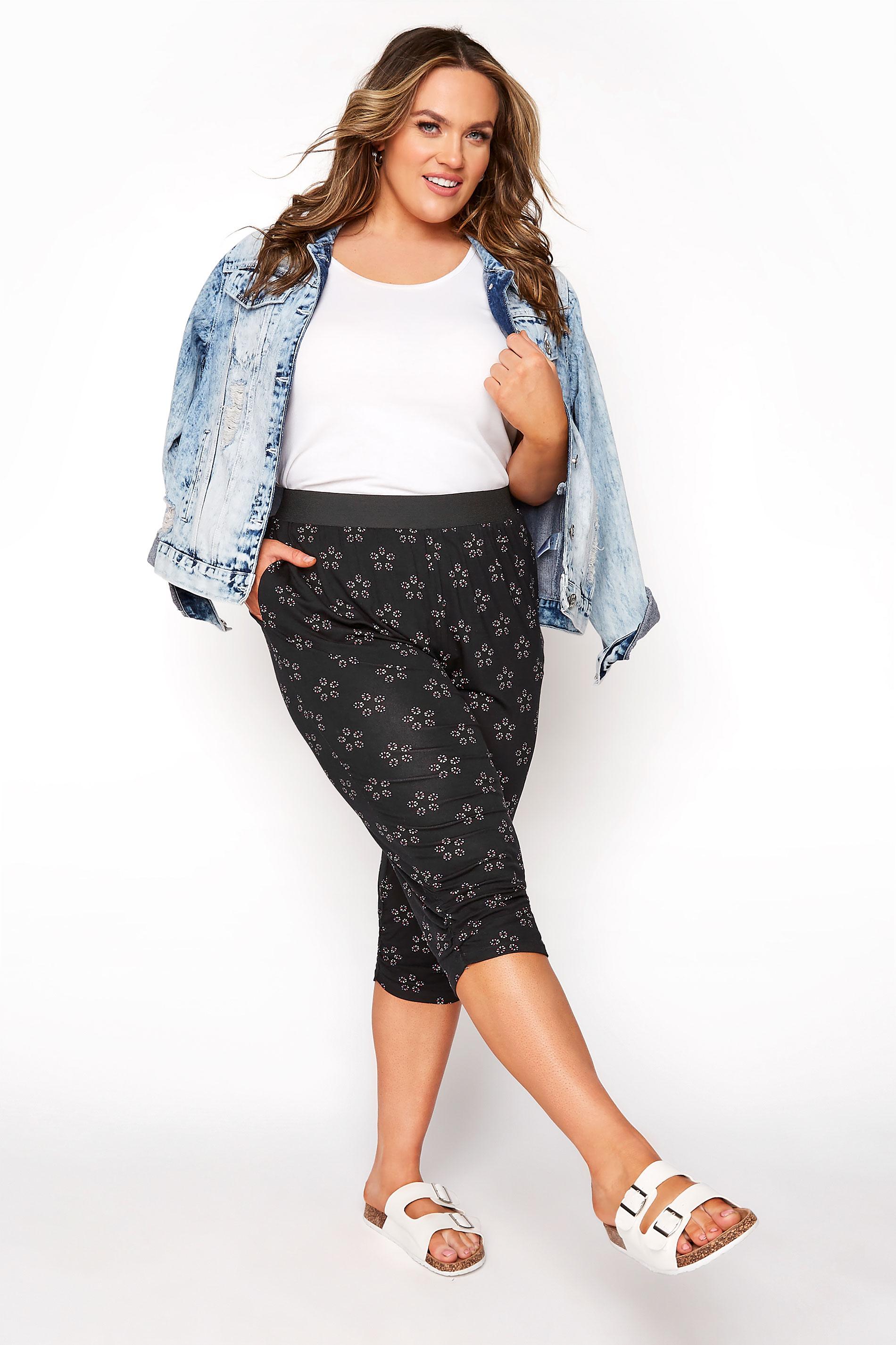 Black Daisy Geometric Crop Harem Trousers_A.jpg