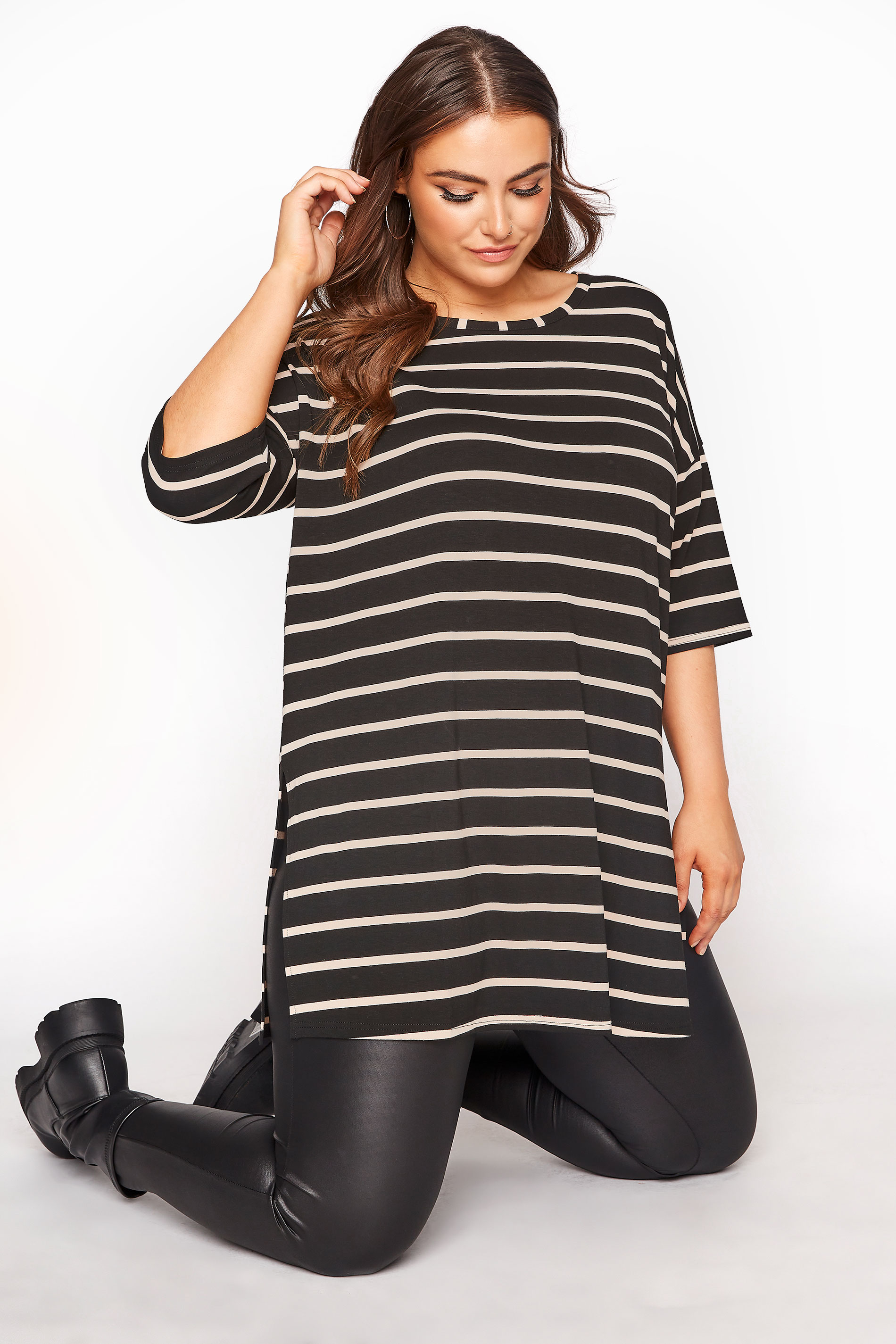 Black Striped Oversized T-shirt_A.jpg
